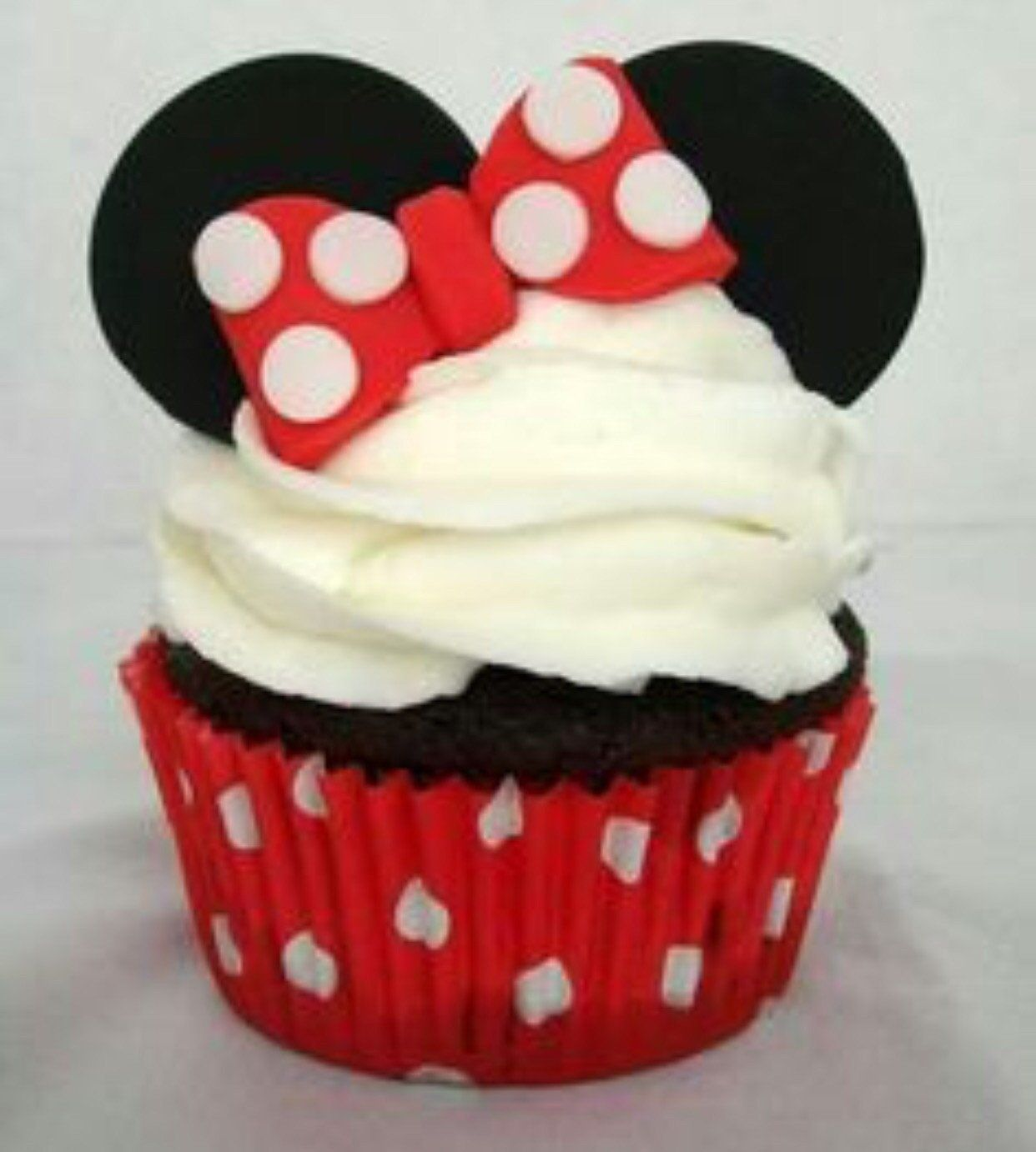 San Diego Bakery. Minnie And Mickey Imagined As Cupcakes