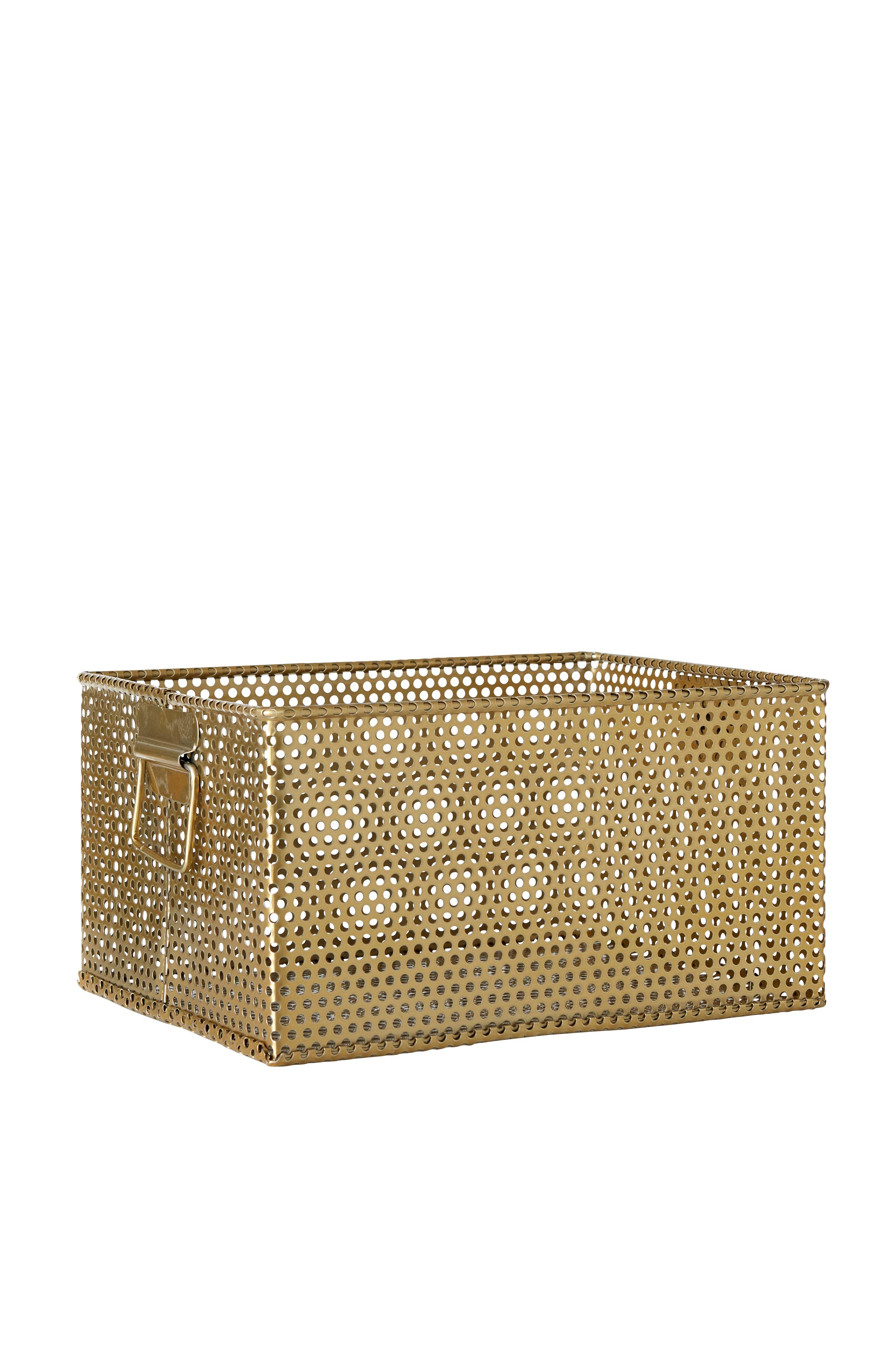 Laatikko messinginväristä metallia, jossa stanssatut reiät. Kahva lyhyillä sivuilla. Mitat: 24x31 cm. Korkeus 16 cm.