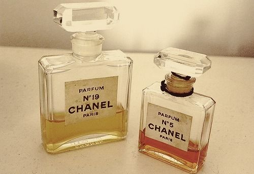 Chanel n°5 and Chanel n°19
