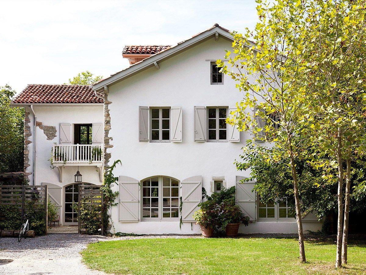 Une ferme transformée en une jolie maison rustique et champêtre près de biarritz