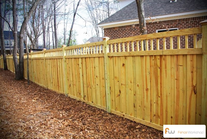 Nicely Built 6 Board On Board Privacy Fence 4x4 Posts 3 Horizontal 2x4 Frame Rails 6 Pickets 12 T Wood Fence Design Wood Privacy Fence Diy Privacy Fence