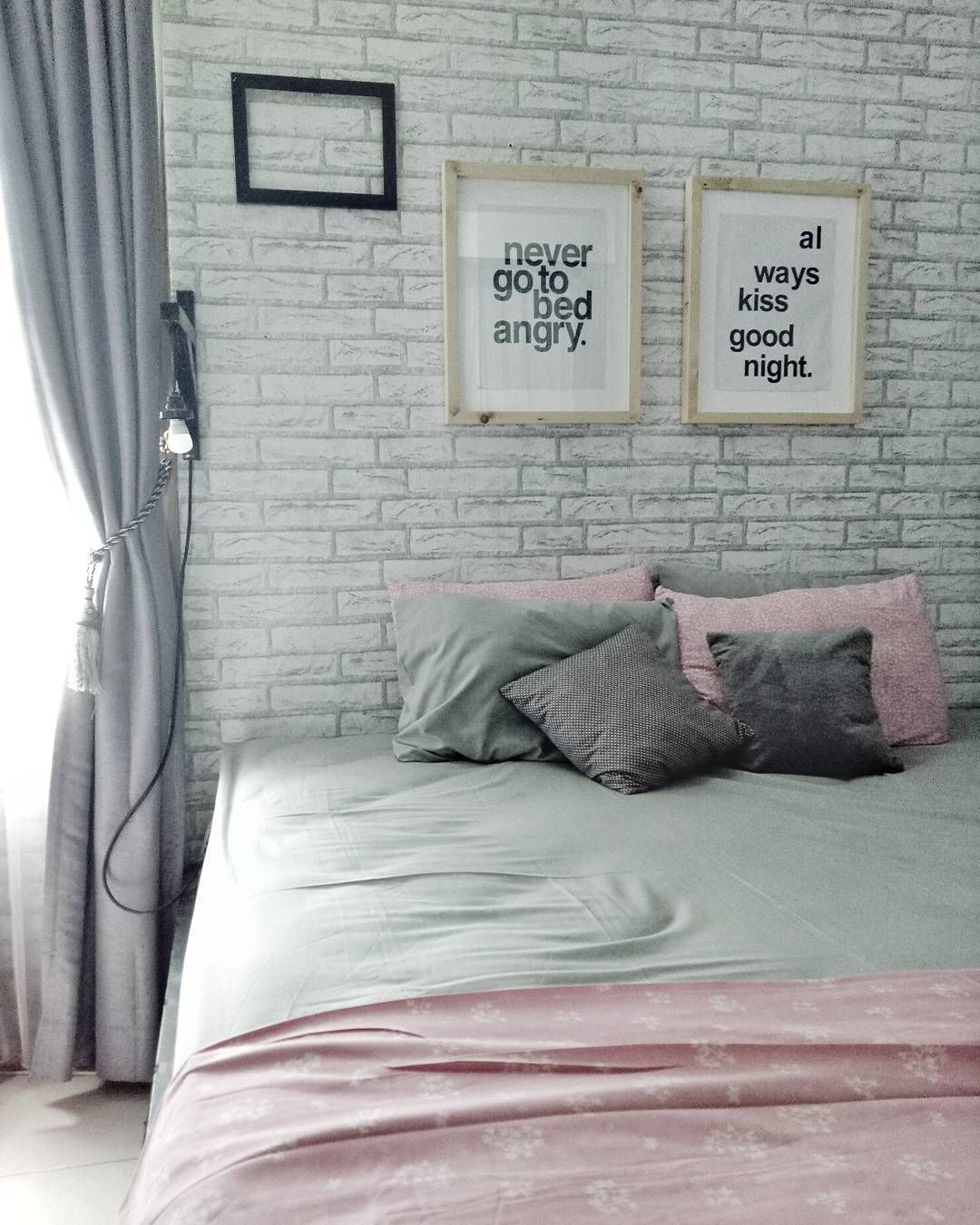 25 Small Master Bedroom Ideas Tips and