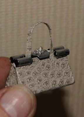 miniature: mini purse made with bull clip | Miniatyrer