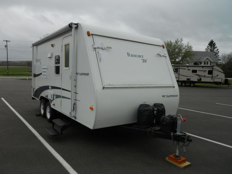 2005 Fleetwood Resort Tnt 21ss For Sale Richfield Wi Rvtcom