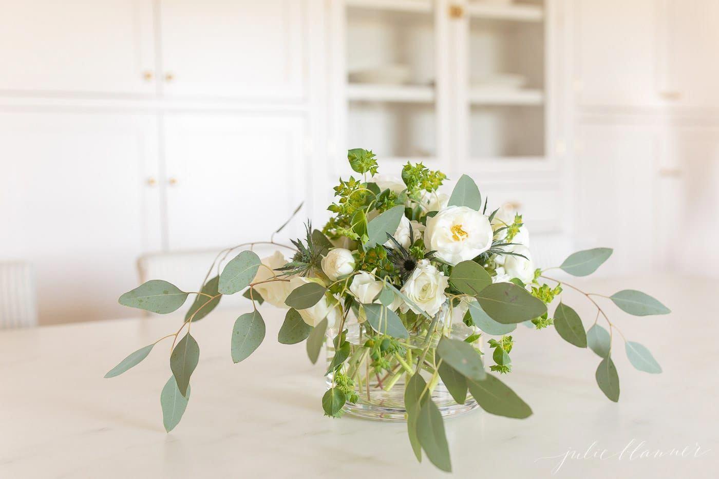 Ranunculus Bouquet Uk Ranunculus Flower Centerpieces Wedding Ranunculus Centerpiece Ranunculus Arrangement