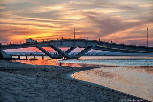 Puente Ondulante de la Barra