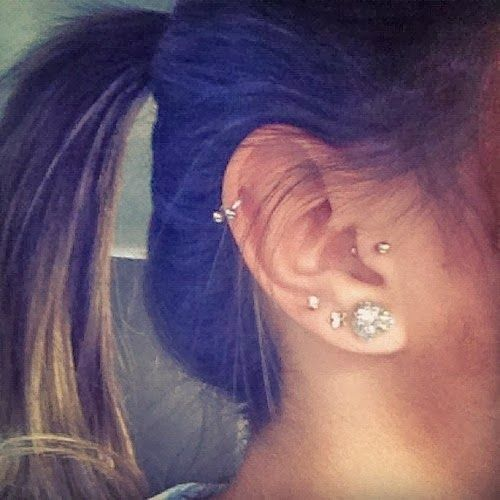 ... piercings à l'oreille, Piercing d'oreille et Perforaciones oreja Ear Piercings Cartilage
