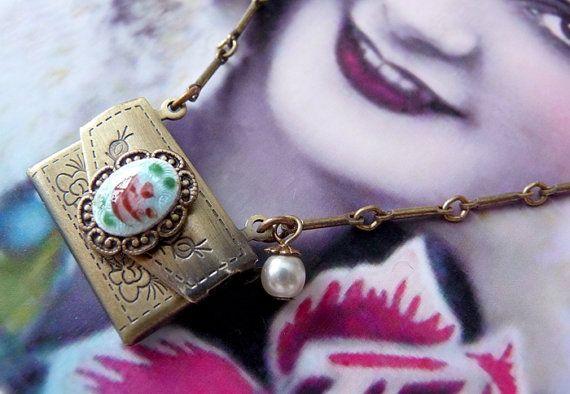 Post Scriptum Necklace  Vintage Inspired Jewelry by Laboiteabijoux, $36.00