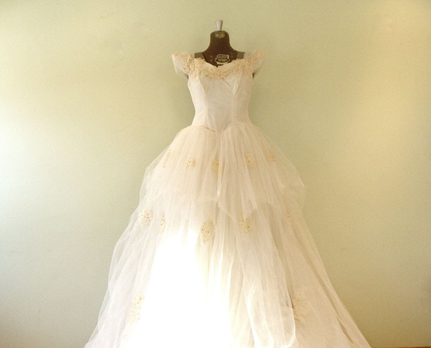 Vintage us wedding dress xsmallsmall dress with train