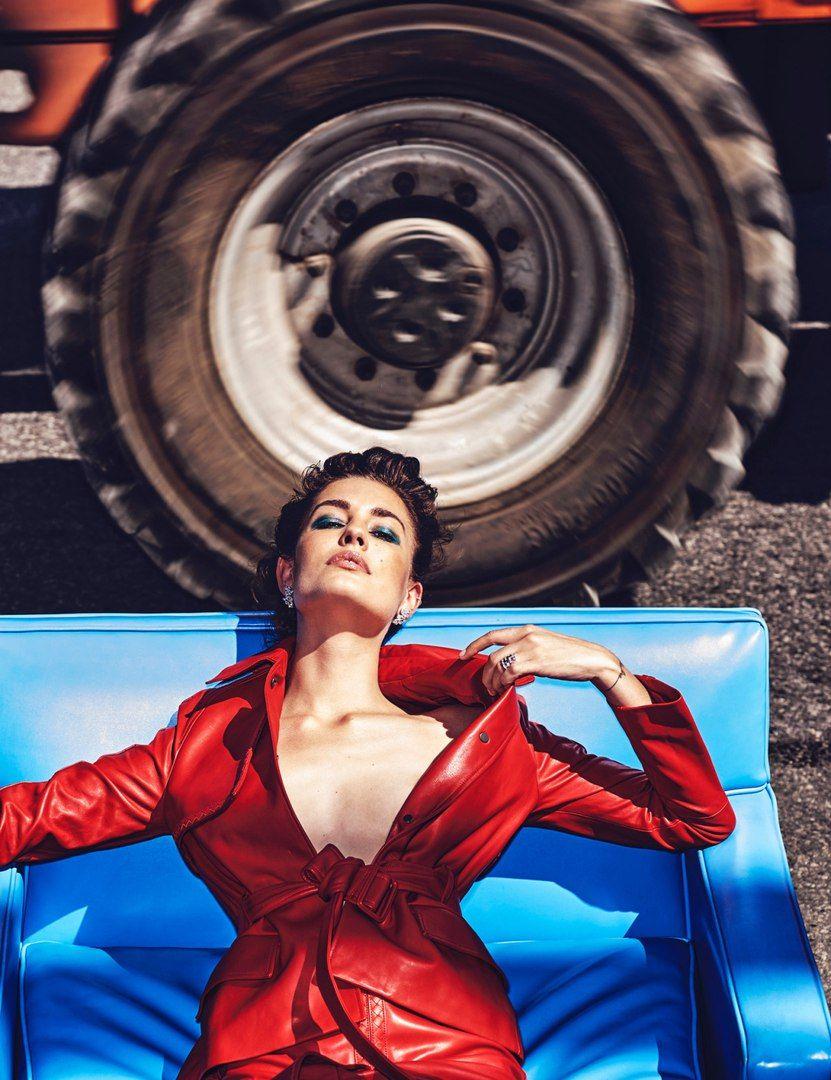 Femme Fatale  Vogue Mexico November 2016 Model: Nadja Bender Photographer: Chris Colls