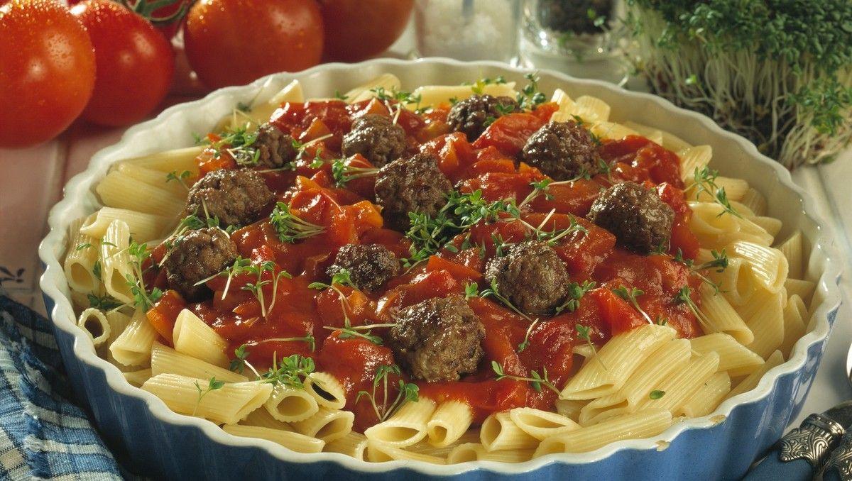 Pasta Med Frisk Tomatsaus Oppskrift I 2020 Tomatsaus Spagetti
