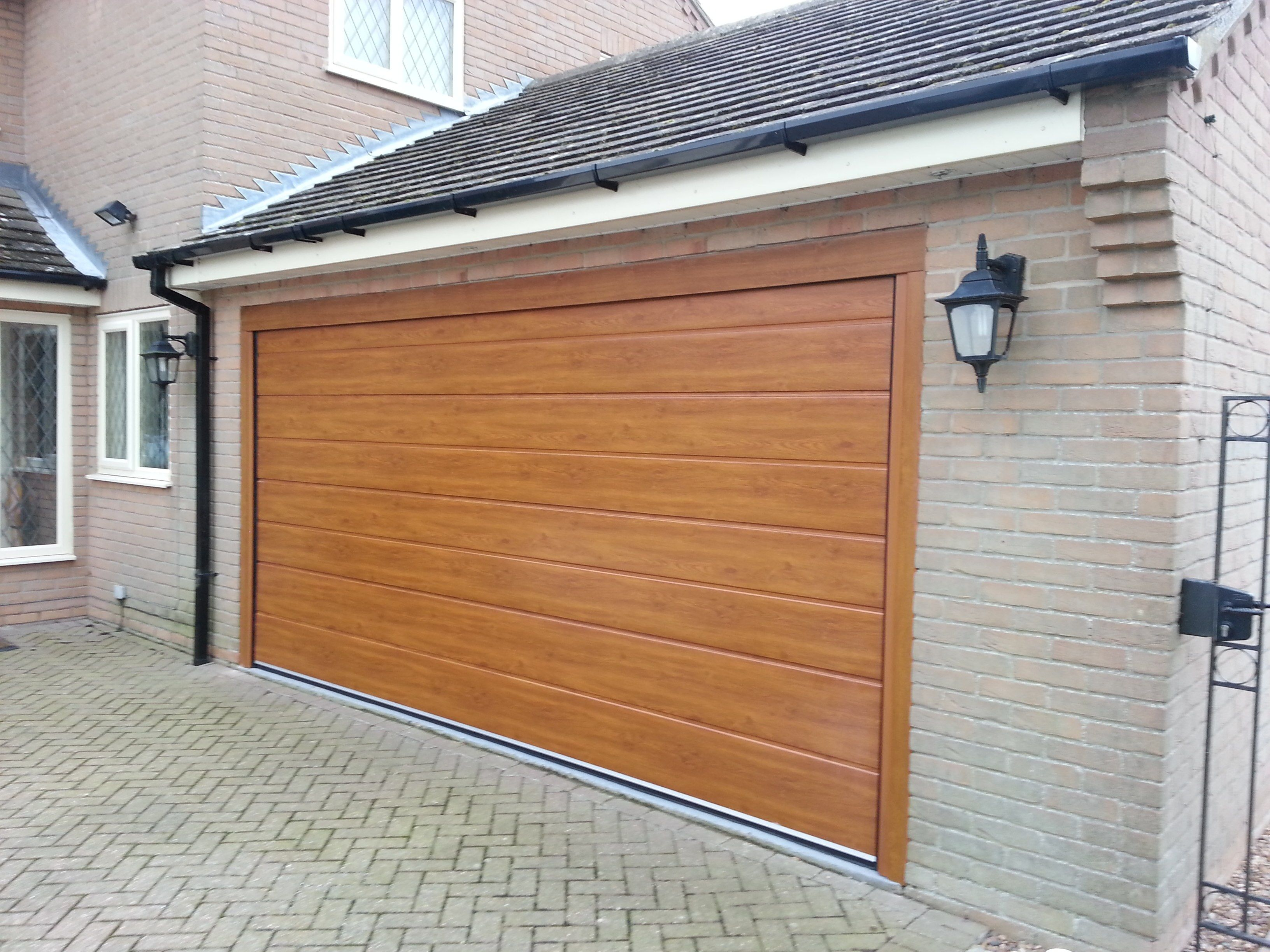 Skillful Ideas Modern Insulated Garage Doors Theydesign Pertaining