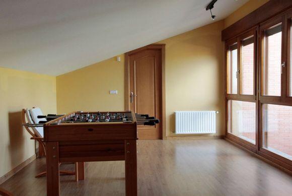 Soria fuentetoba casa rural el italiano capacidad 16 for Casa rural con piscina cubierta