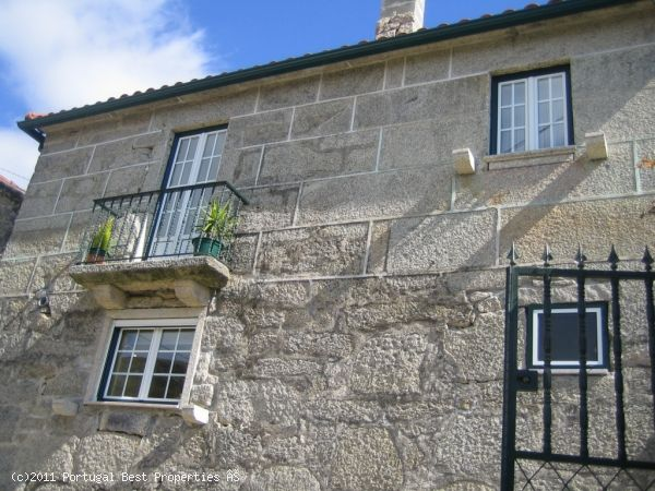 3 bedroom stone villa in Arcos de Valdevez, Viana do Castelo, Minho,   Portugal - House in stone in a mountain area, good access, quiet place. - http://www.portugalbestproperties.com/component/option,com_iproperty/Itemid,16/id,961/view,property/#