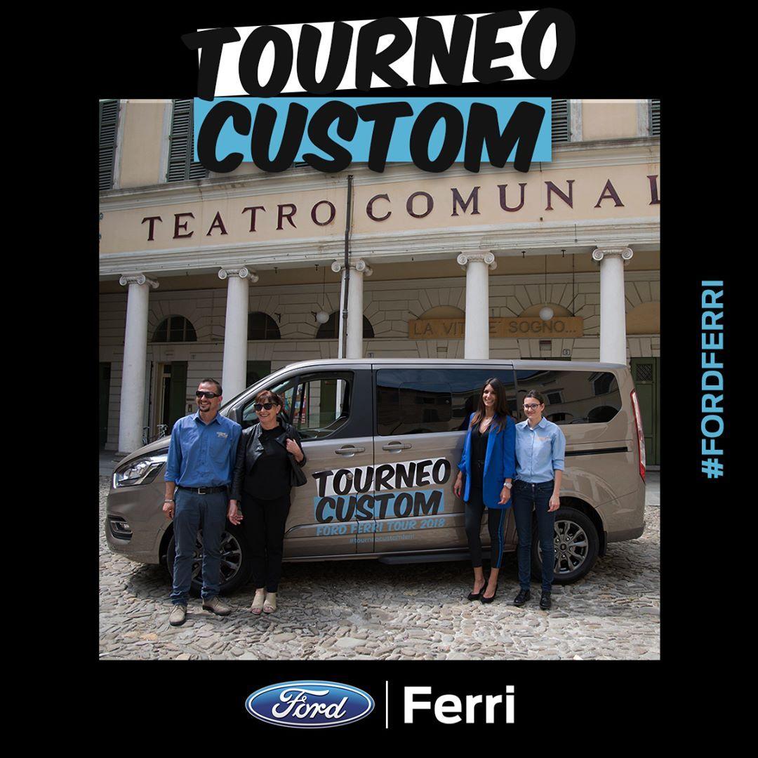 Ford Ferri Porta Il Nuovo Tourneo Custom Direttamente Presso