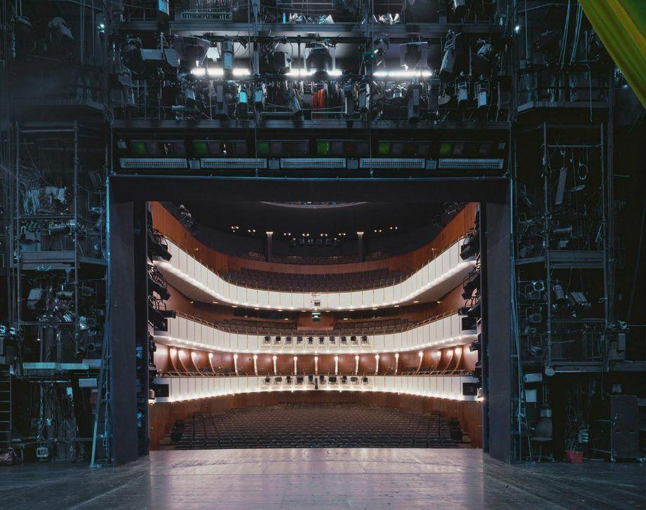 Des Salles De Spectacles Depuis Les Coulisses Architecture Urbaine Photo D Architecture Salles De Theatre