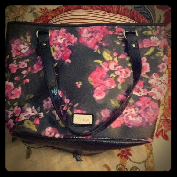 Black flowered patent bag. Lovely large bag. Three pockets. Great condition. Nine & Co. Bags