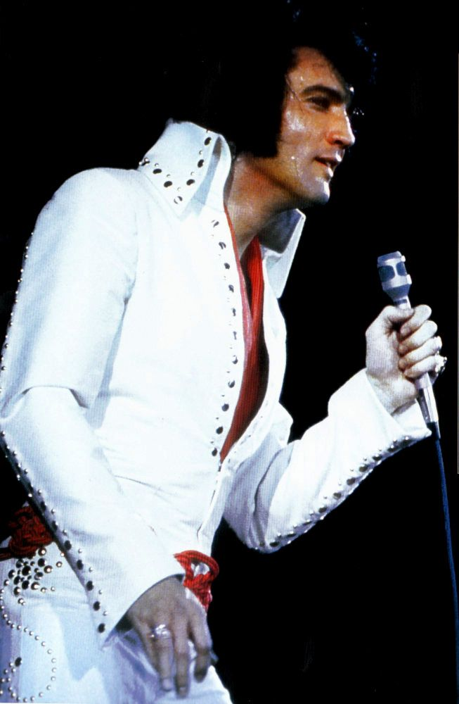 Elvis In Concert In Los Angeles In November 14 1970 Elvis Presley Concerts Elvis Presley Elvis In Concert