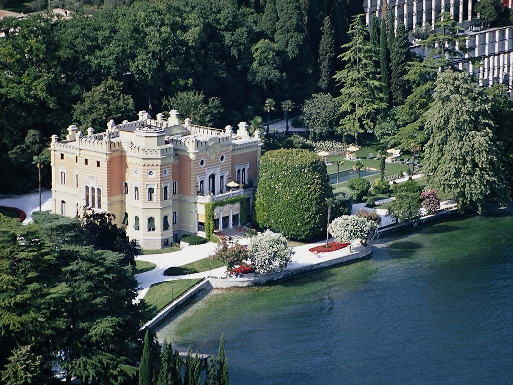 Villa feltrinelli la chiave del paradiso privilegio di for Immagini di entrate di ville