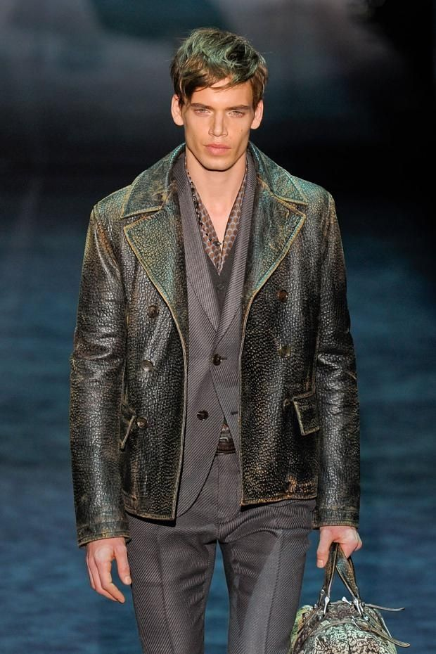 Gucci catwalk male makeup