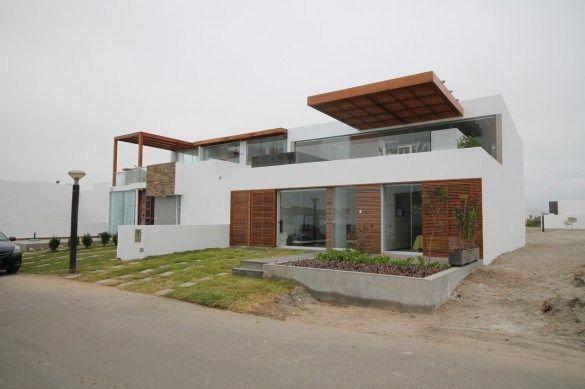 Casa PM2 - se optó por generar patios interiores en el primer nivel