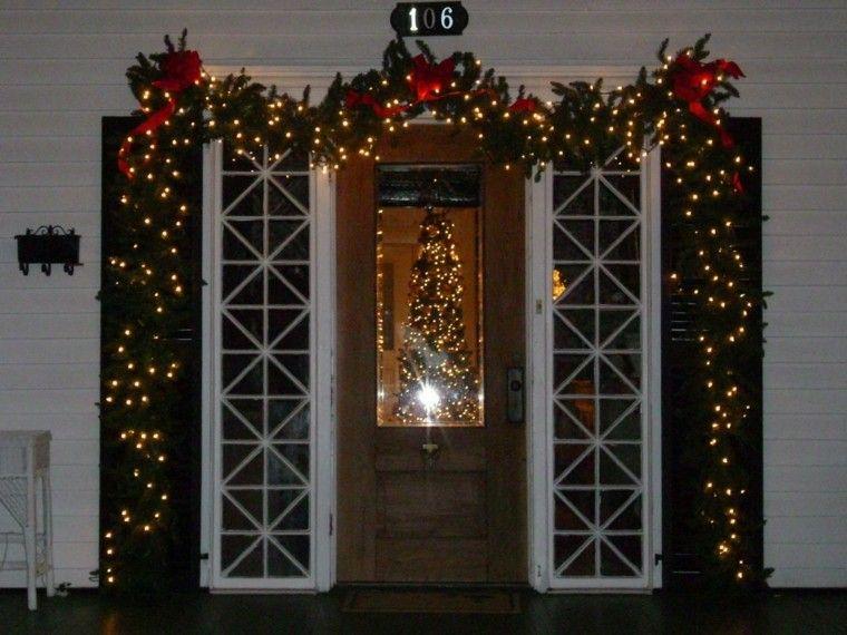 Guirnalda navide a preciosa para decorar la puerta de casa for Puertas decoradas con flores de papel