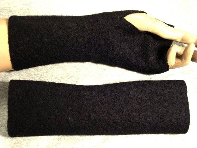 warm wool gloves arm warmers long live soft Ideal to dresses or over a thin sweater warm wool gloves arm warmers long live soft Ideal to dresses or over a thin sweater