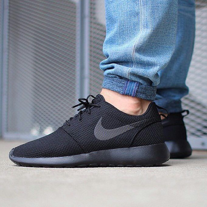 low priced 7c15e e6fbe Nike Roshe One Size  44 45 Price  IDR700.000 Color  black Original