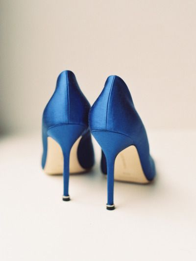 Blue heels: http://www.stylemepretty.com/2015/03/27/elegant-new-york-city-fall-wedding/ | Photography: Ashley Kelemen - http://ashleykelemen.com/