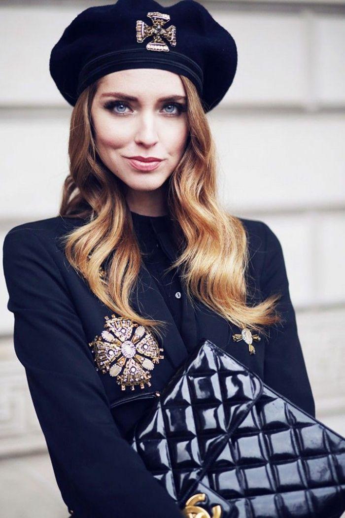b ret femme noir et yeux bleus levres roses le beret so french beret beret outfit und fashion. Black Bedroom Furniture Sets. Home Design Ideas