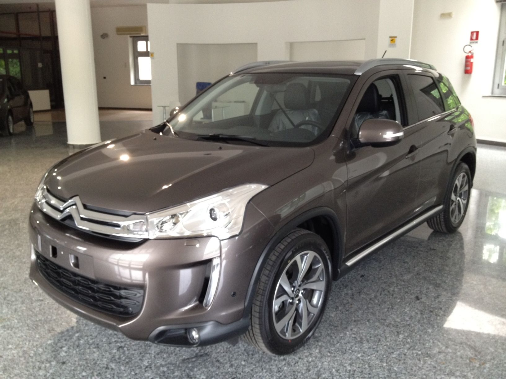 Citroen C4 Aircross http//www.youdrivecars.it Carros