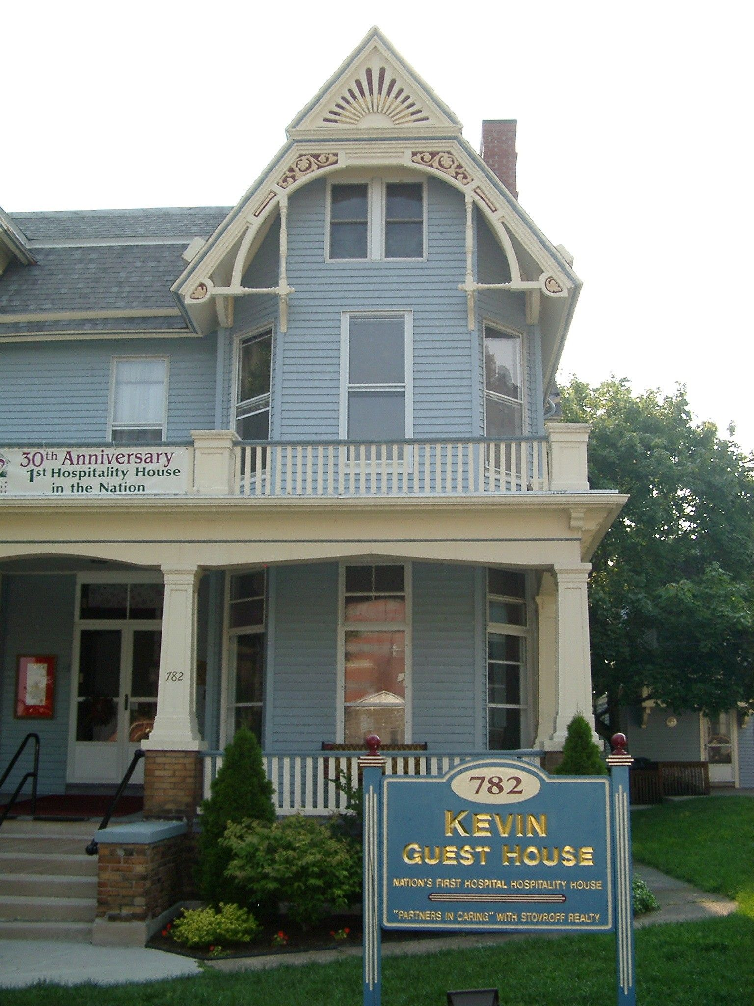 Ivy Lea Siding Kevin Guest House Siding Contractors Siding Hospitality House
