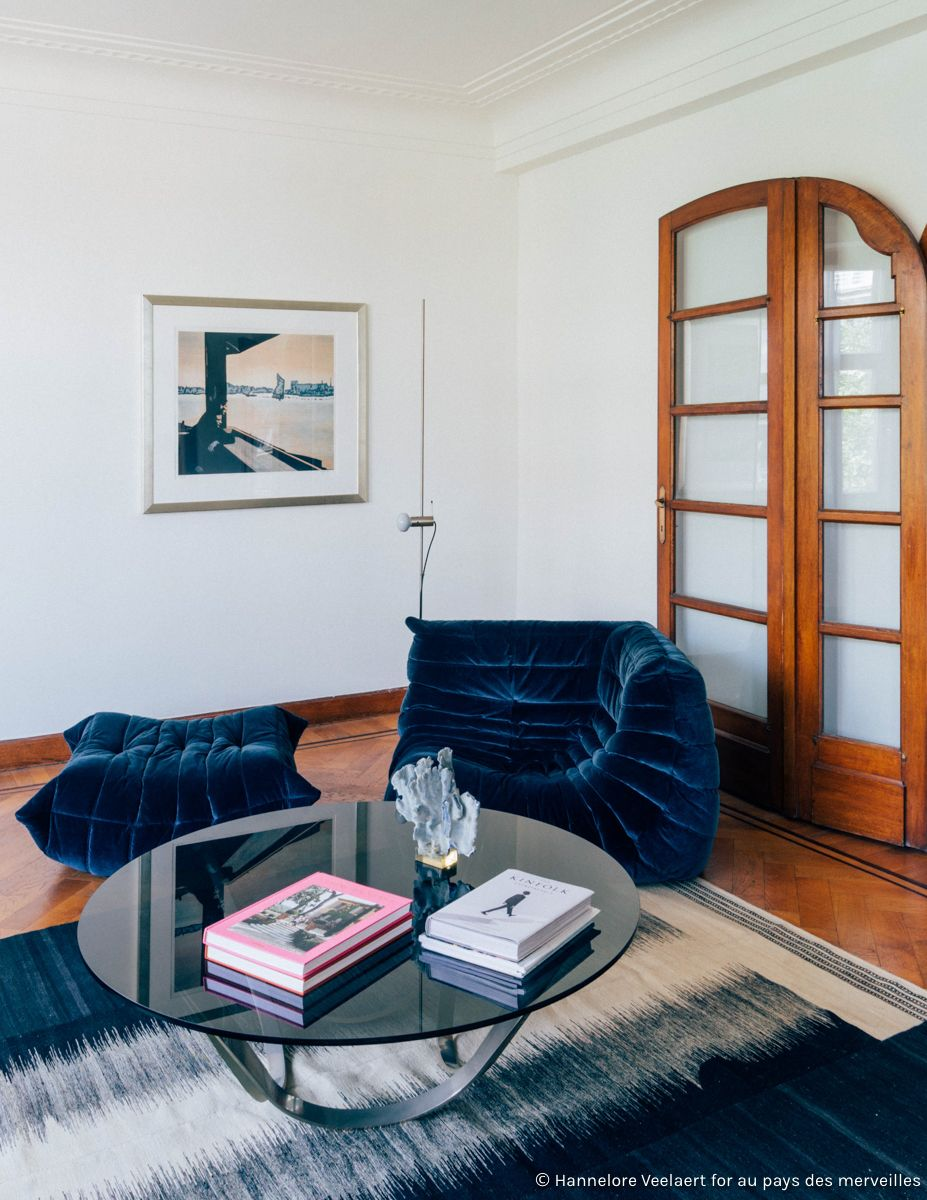 Work Opum Development Au Pays Des Merveilles Blue Velvet Togo Ligne Roset Togo Sofa Diy Deck Furniture Vintage Sofa