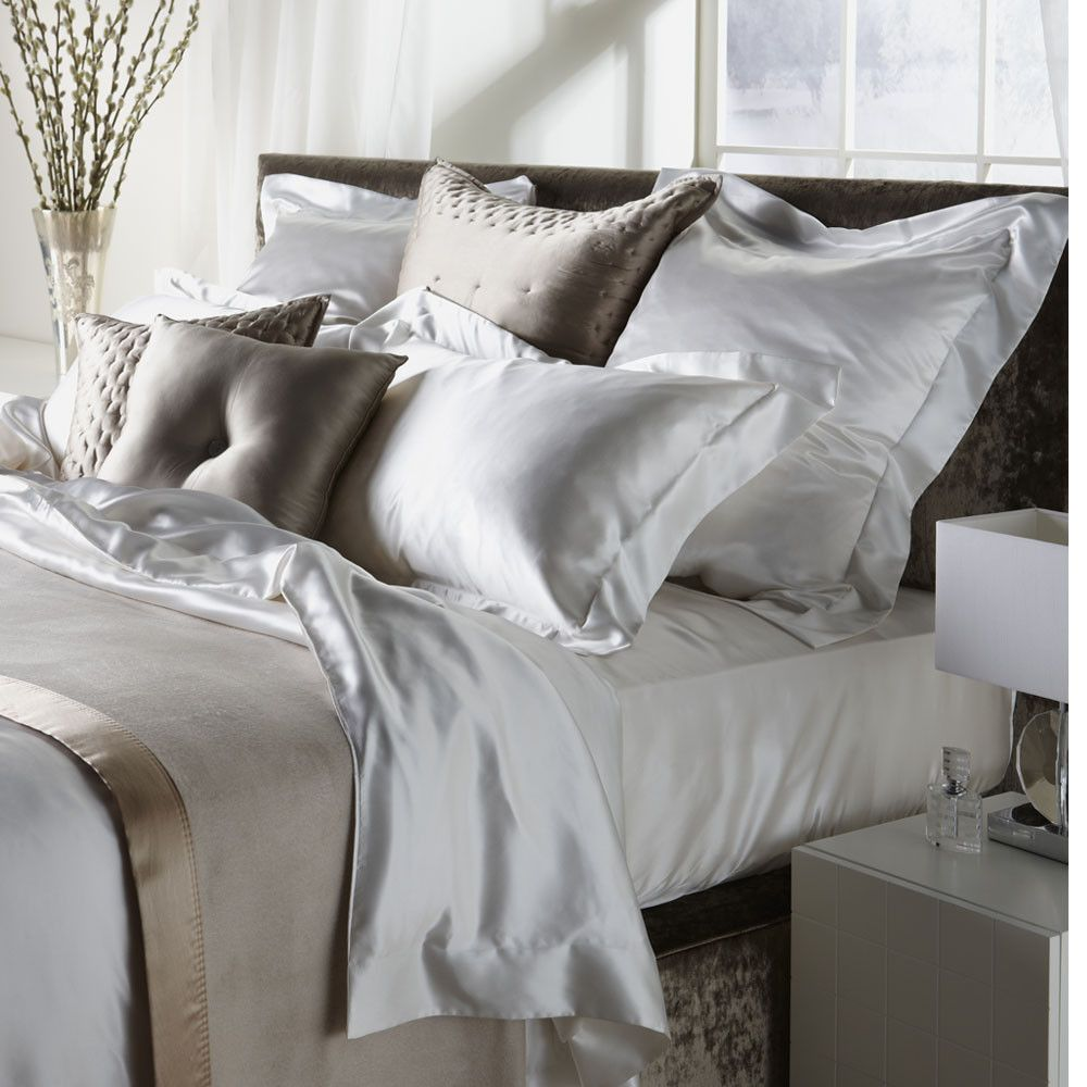Discover The Gingerlily Ivory Silk Duvet Cover King At