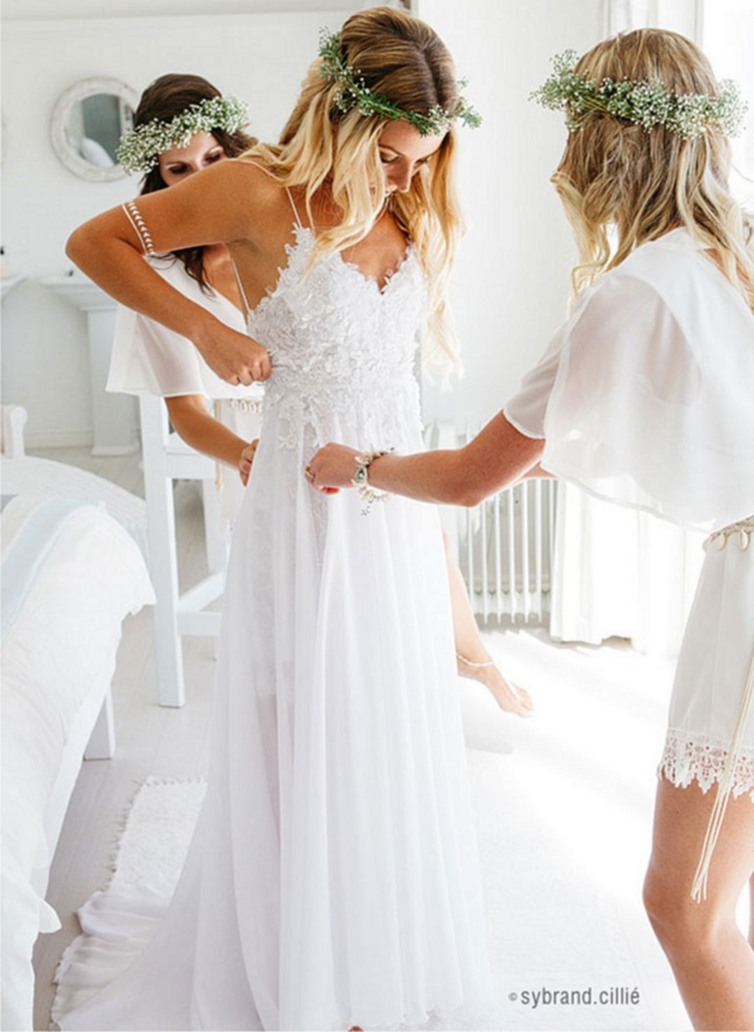 Adorable elegant beach wedding dresses ideas for perfect wedding