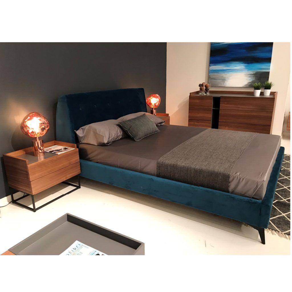 Stella Bed Mikaza Meubles Modernes Montreal Modern Furniture Ottawa In 2020 Bedroom Wall Colors Bed Velvet Bed Frame