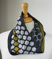 Ravelry: Chromaticity Cowl pattern by Miriam L. Felton