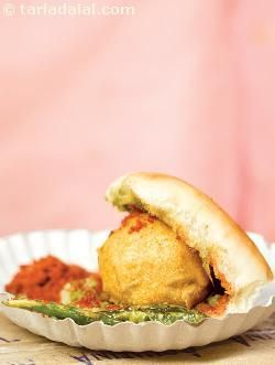Vada pav mumbai roadside recipes recipe mumbai snacks and food indian street food forumfinder Image collections