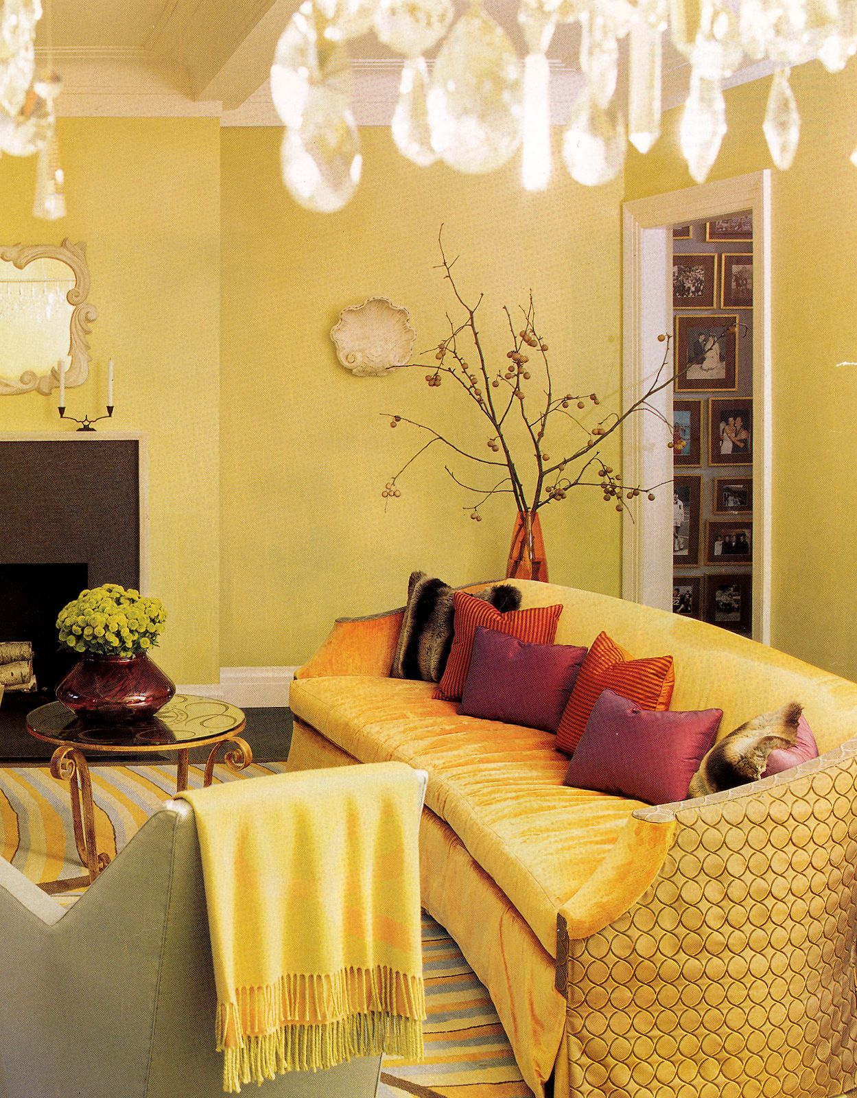 Eclectic Style Living Room In Citrus Shades Of Key Lime