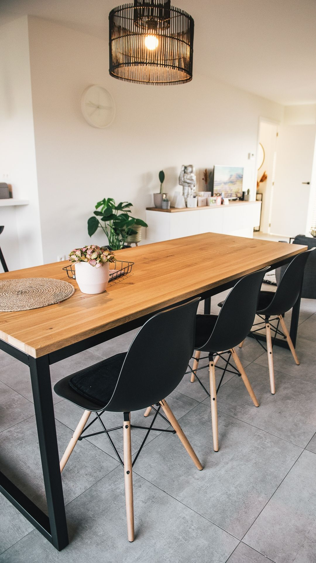 Tafel Olav Eiken U Frame Zwart Woodville In 2020 Tafel Eikenhout Industriele Tafel Tafel