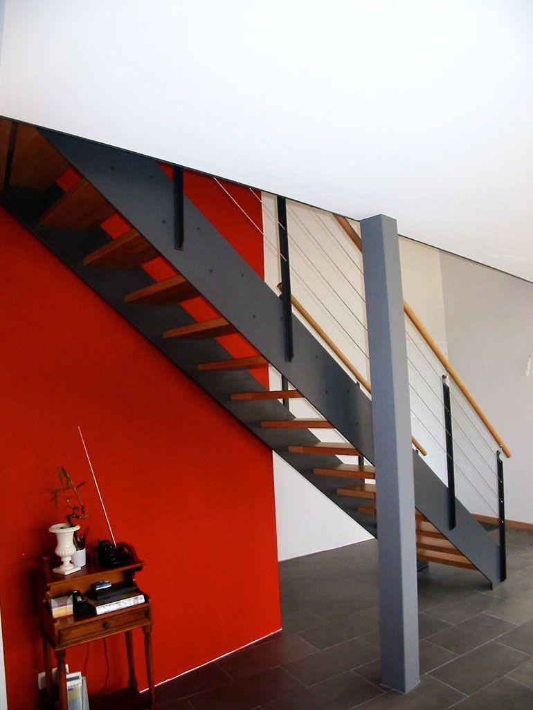 Escalier LOFT droit avec son limon thermo laqué gris #loft ...