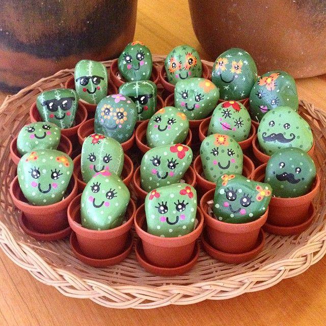 mini cactus & nopalitos piedritas pintadas a mano en maceta de 3