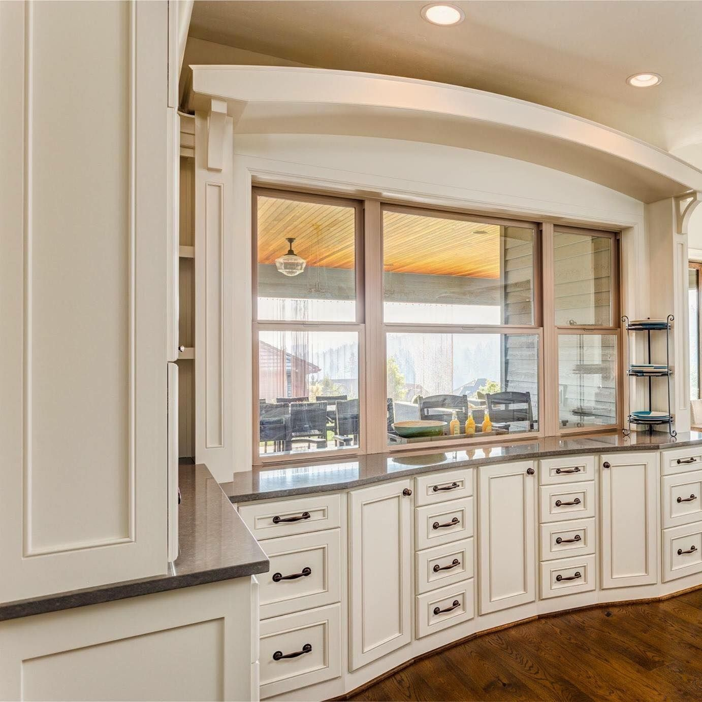 Best White Kitchens Off White Kitchens Are Trendy In 2017 400 x 300