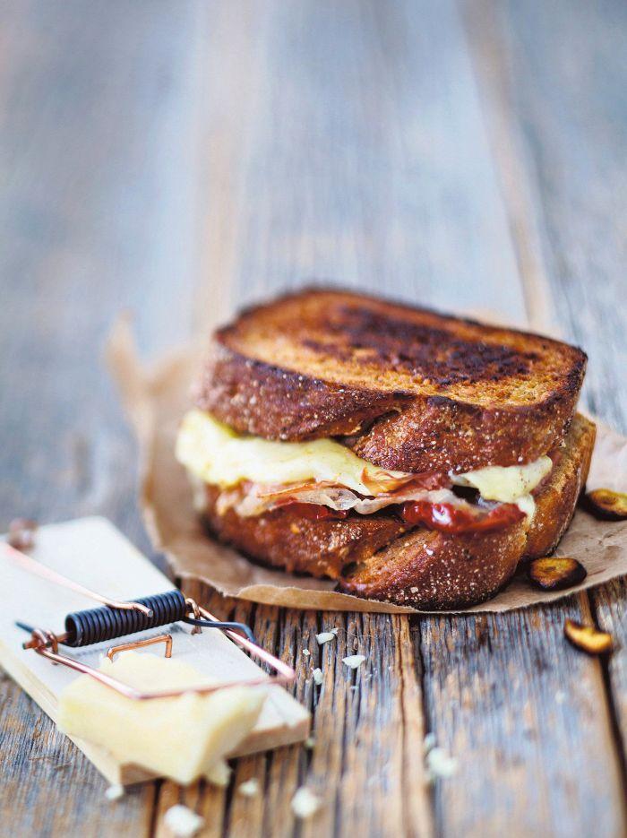 Cheddarjuustosandwich - Täytetyt leivät - Reseptit - Helsingin Sanomat