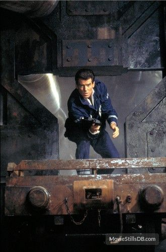 The World Is Not Enough Publicity Still Of Pierce Brosnan