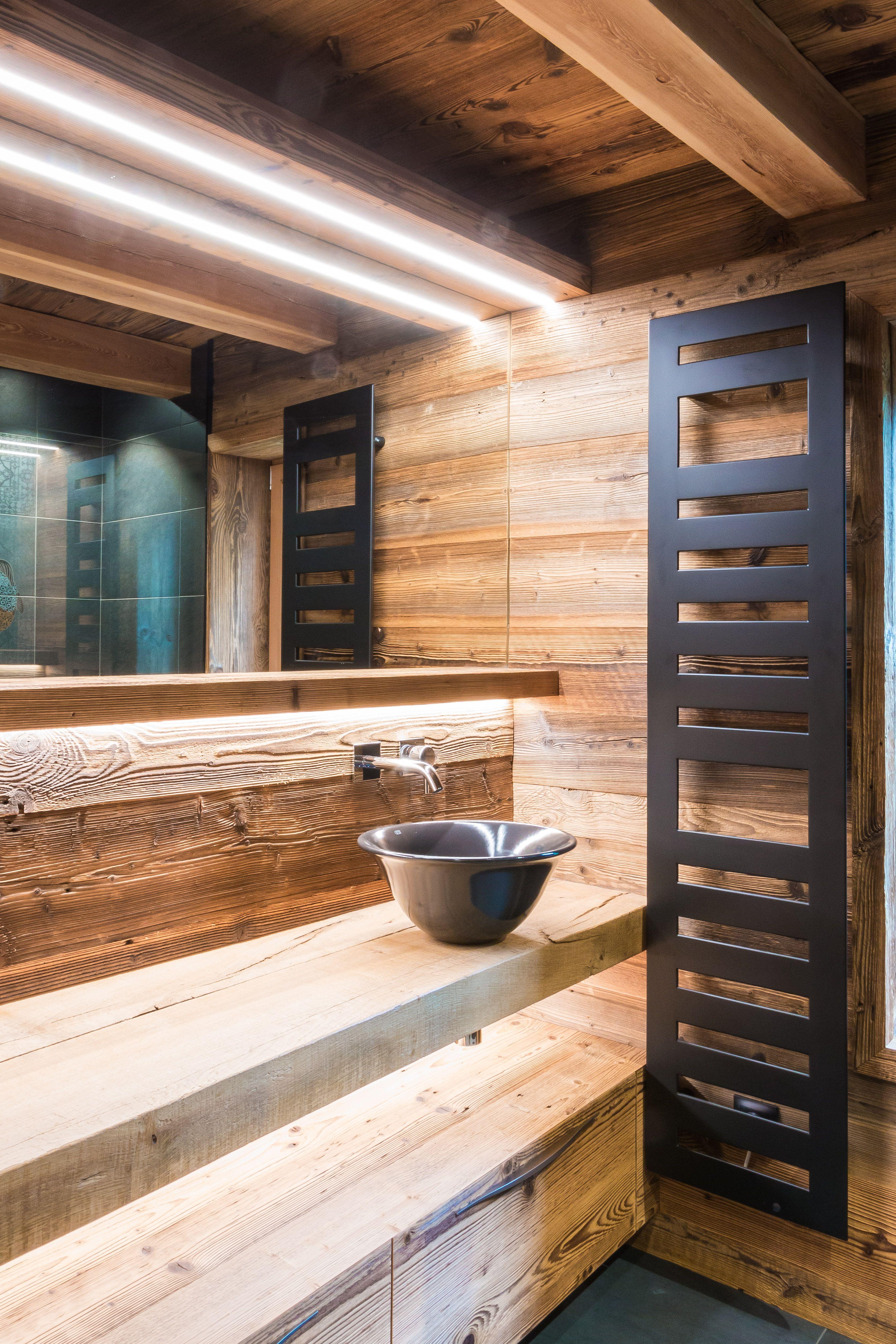 R alisation d 39 une salle de bain en bois compos e d 39 une - Realisation d une douche a l italienne ...