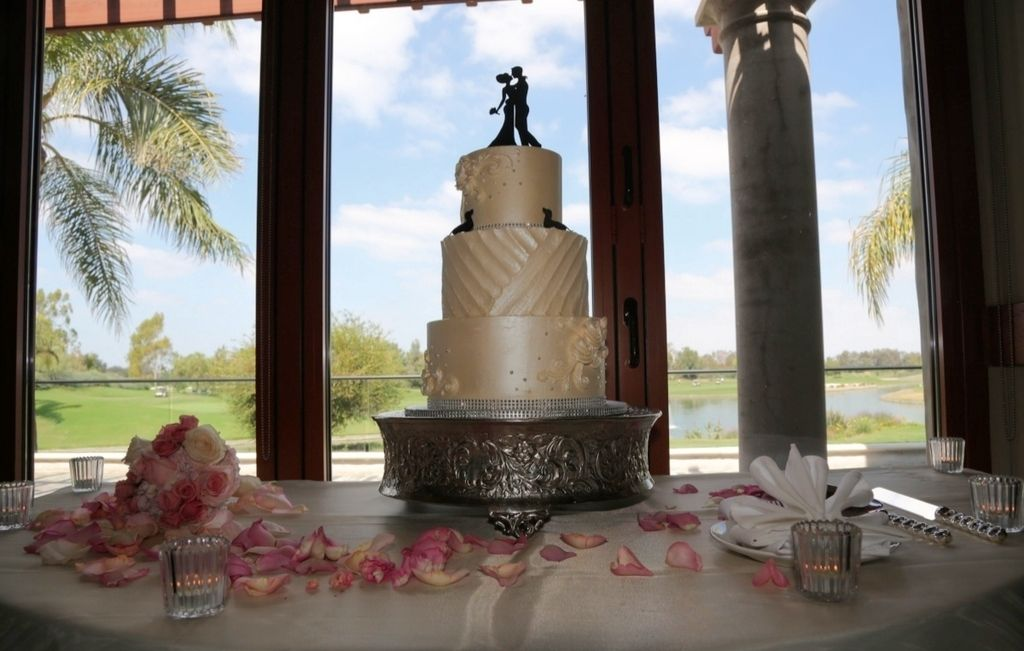 Our beautiful and tasty wedding cake from sweet traders