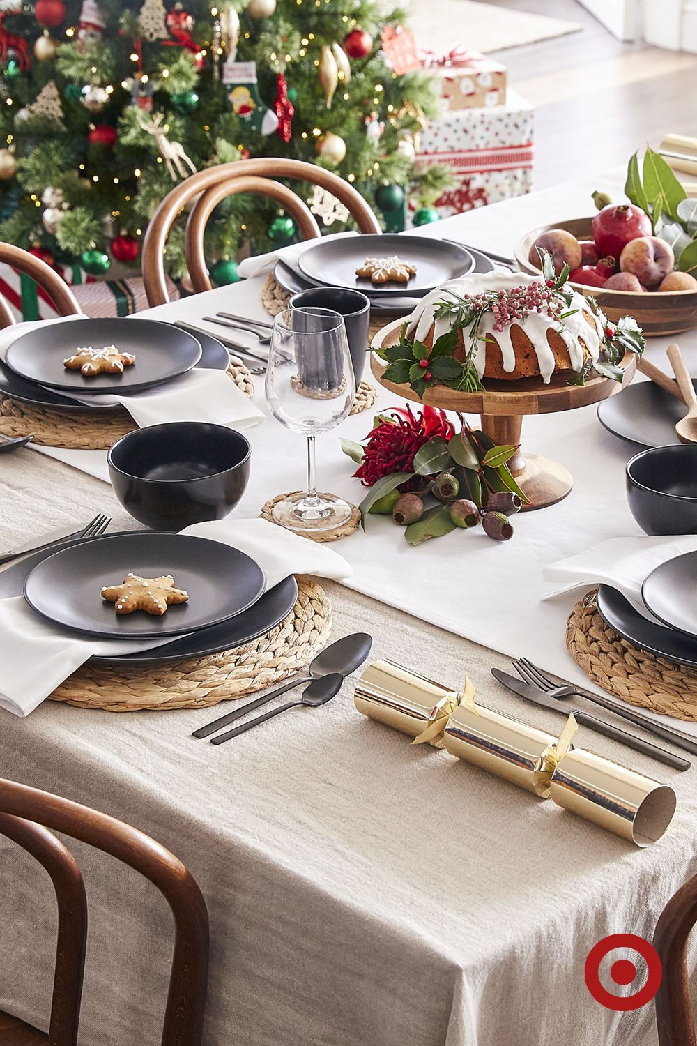 This Distinct And Sophisticated Semi Gloss Black 21cm Coupe Side Plate Is A Clean And Contemporar Christmas Dinner Plates Christmas Dining Australian Christmas