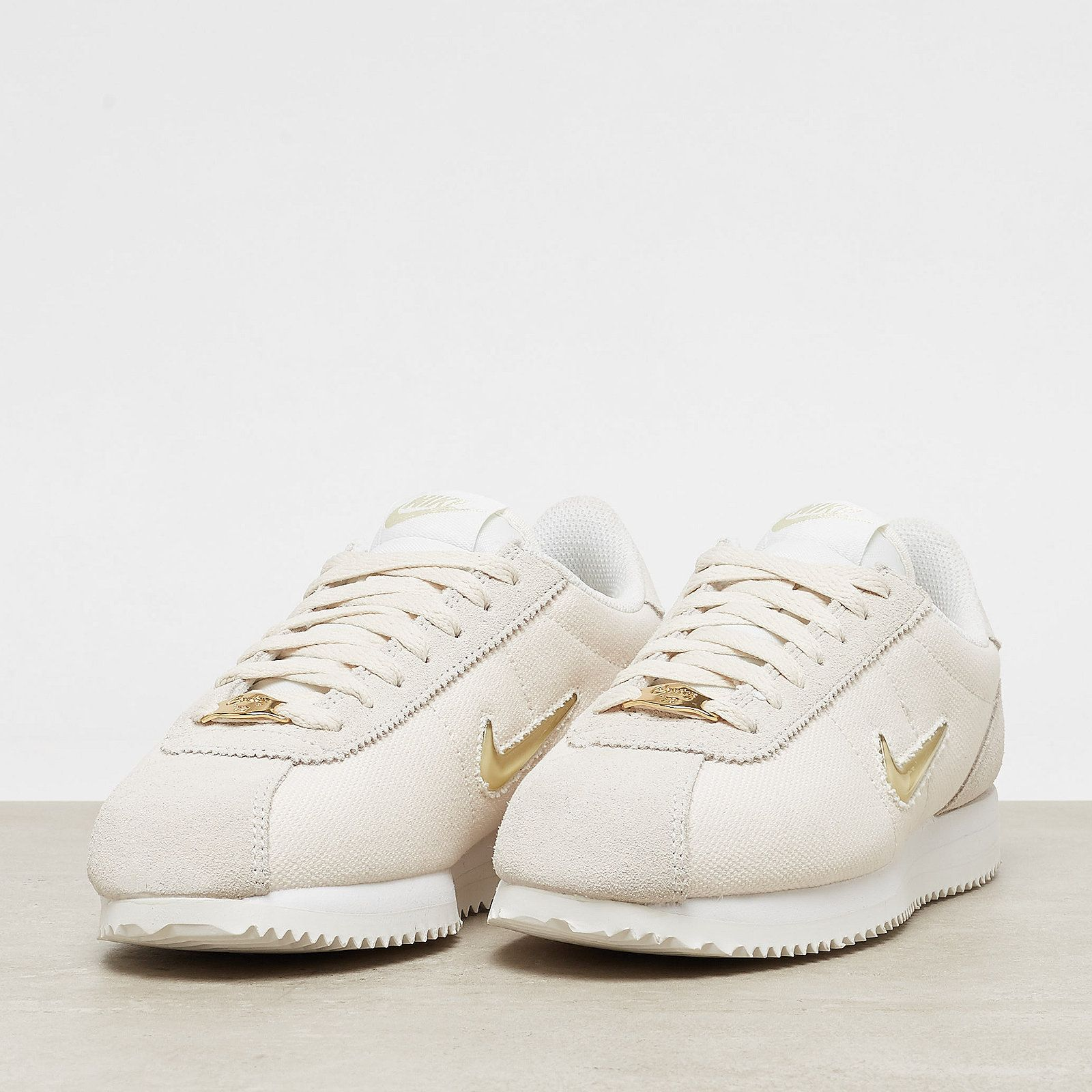 best sneakers 2b699 d2a09 NIKE Cortez Basic Jewel  18 phantom mtlc gold   ONYGO