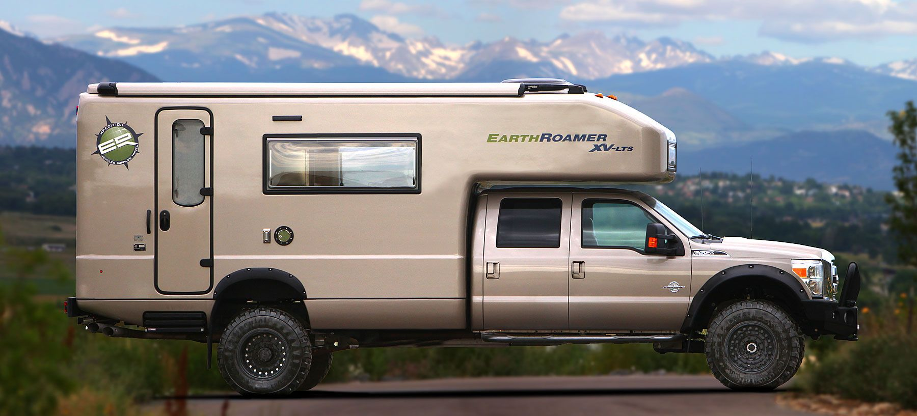 EarthRoamer XVLTS Camper shells